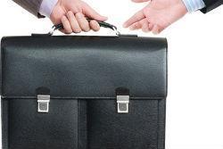 ликвидация фирмы через смену директора и учредителя
